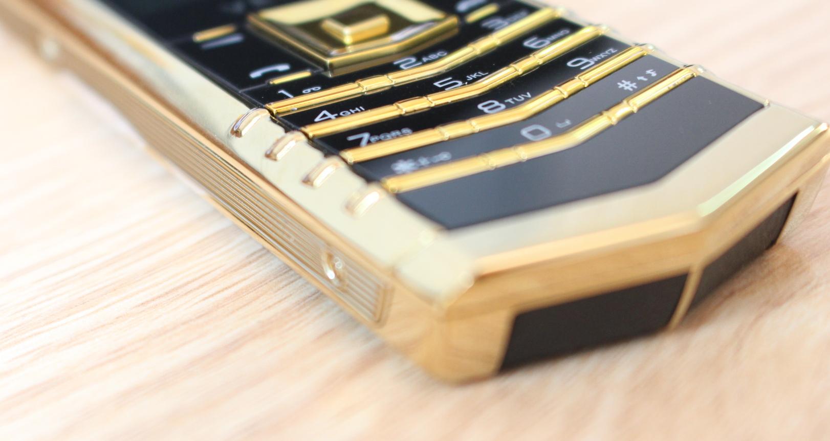 Điện thoại thời trang M6i
