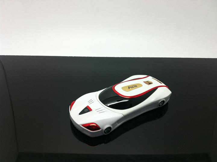 Điện thoại kiểu dáng xe hơi F1