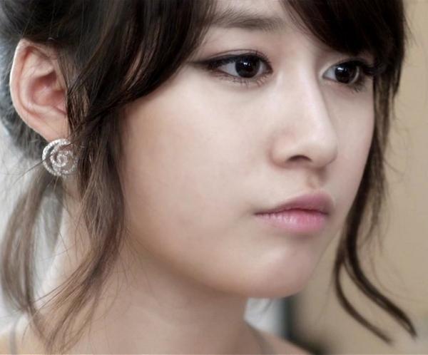 Tip make up mắt giống cô nàng Park Ji Yeon