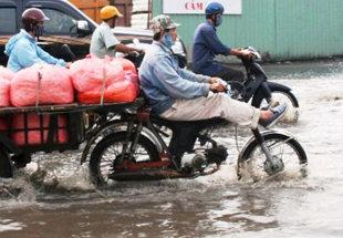 Bình Dương: Mưa không ngớt nhưng hợp đồng FPT vẫn đổ về liên tục