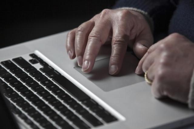 """Internet toàn cầu """"chậm rùa"""" vì đang bị tấn công"""