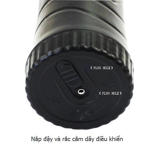 Lỗ rắc cắm dây điều khiển phía đuôi sản phẩm