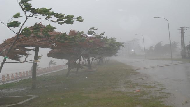 Ô nhiễm không khí làm bão có thể mạnh hơn