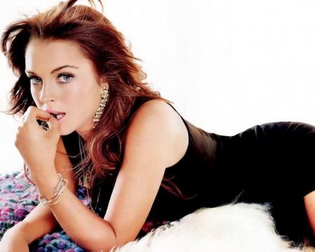 """Cha đẻ Lindsay Lohan: Con gái tôi là """"gái gọi""""!"""