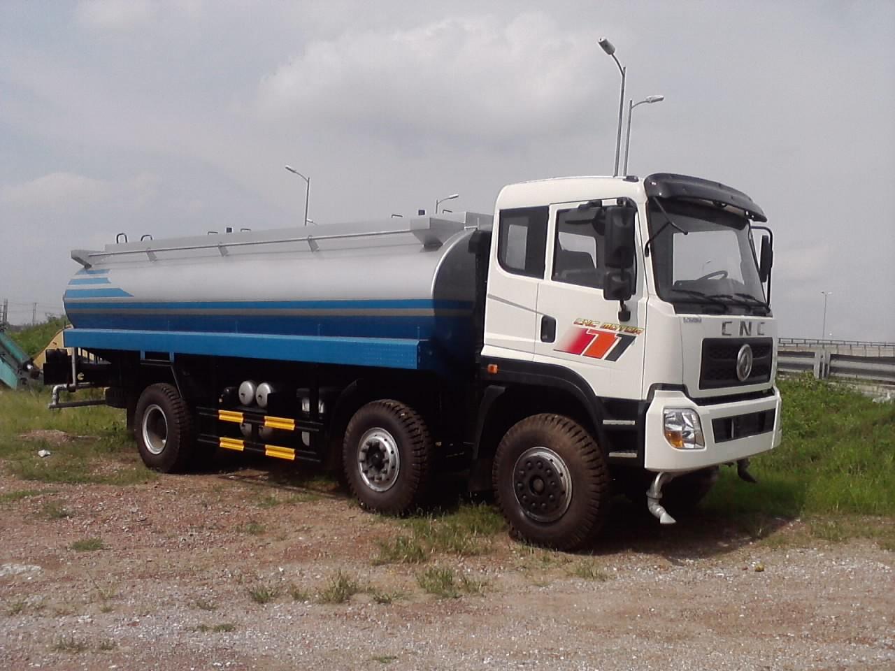 Xe phun tưới nước 20 khối 20m3