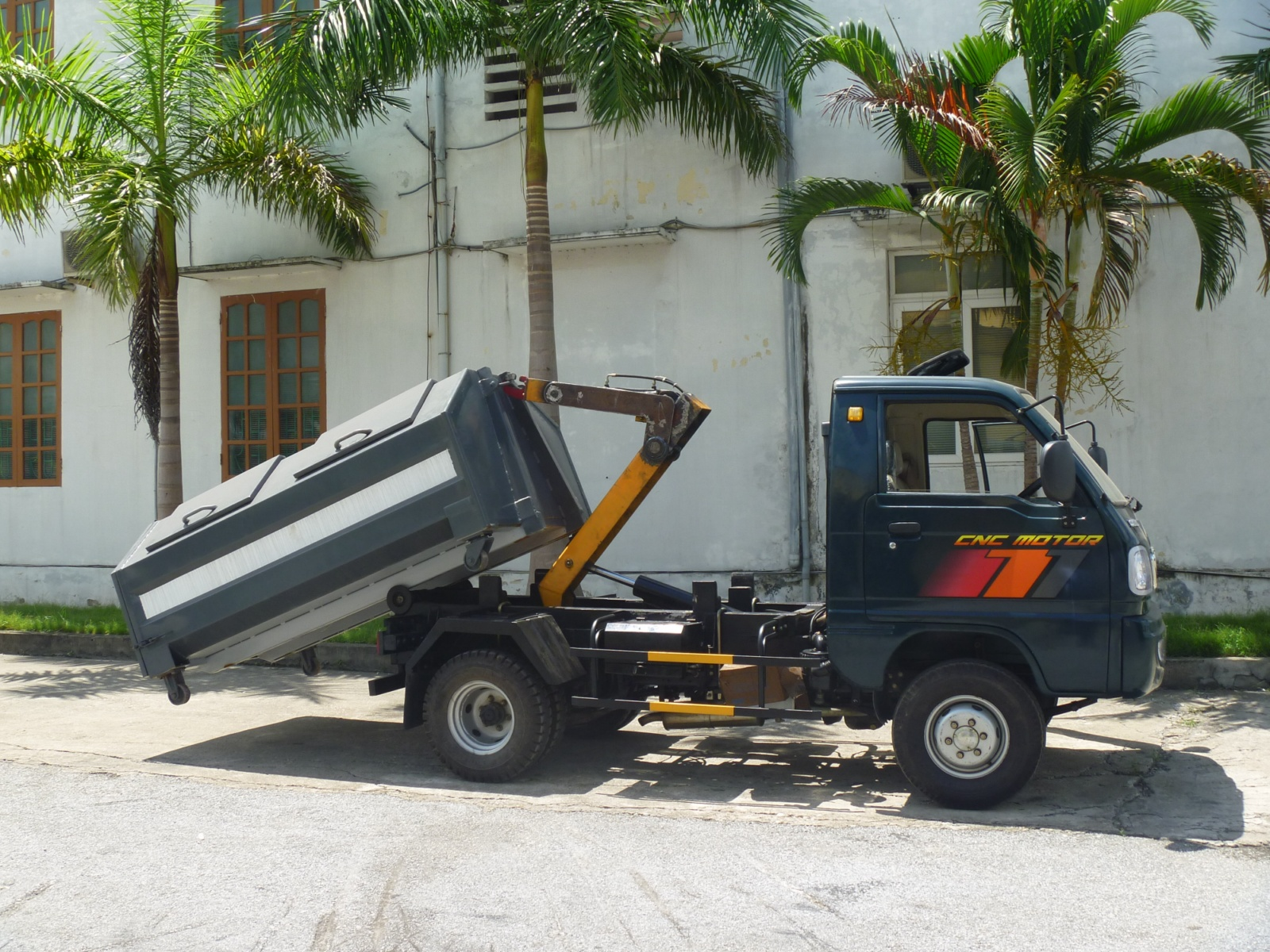 Xe chở rác Mini 2,4 khối