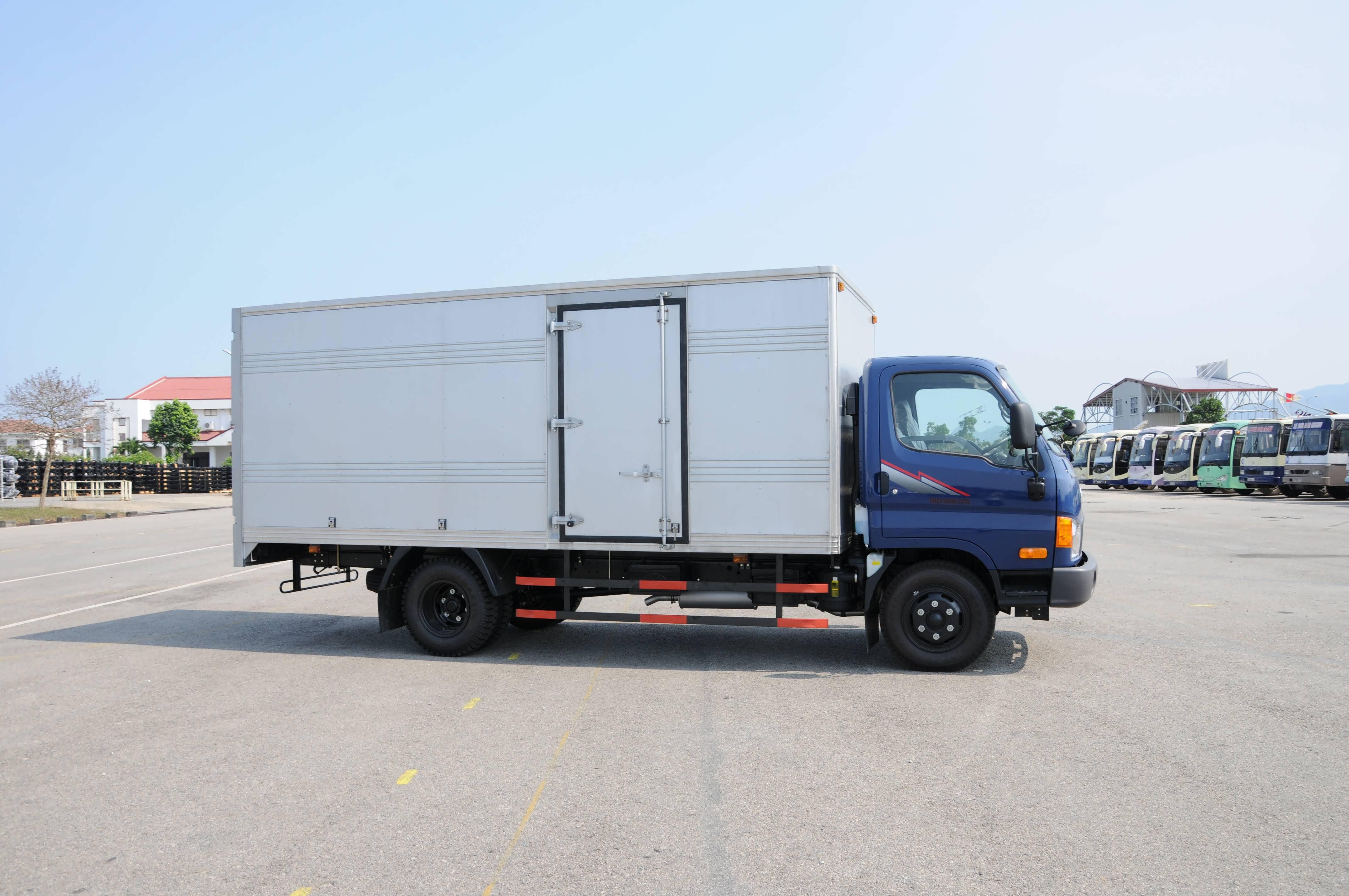 Xe tải Hyundai HD450 3,8 tấn