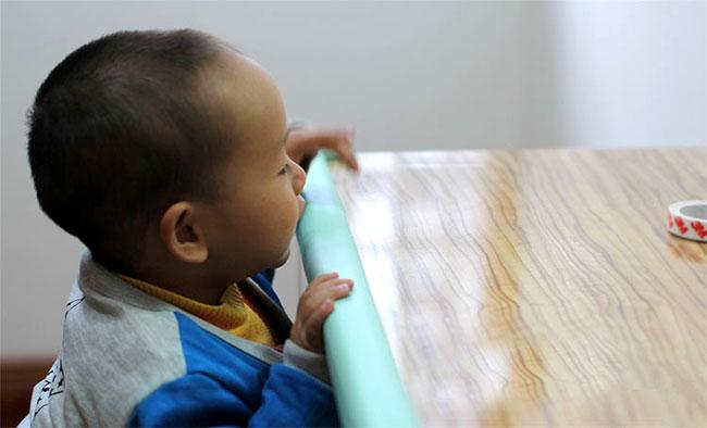 Xốp bọc cạnh bàn, góc bàn, cạnh tủ, cạnh giường, cạnh tường an toàn trẻ em