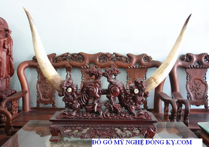 Tượng gỗ đồng kỵ