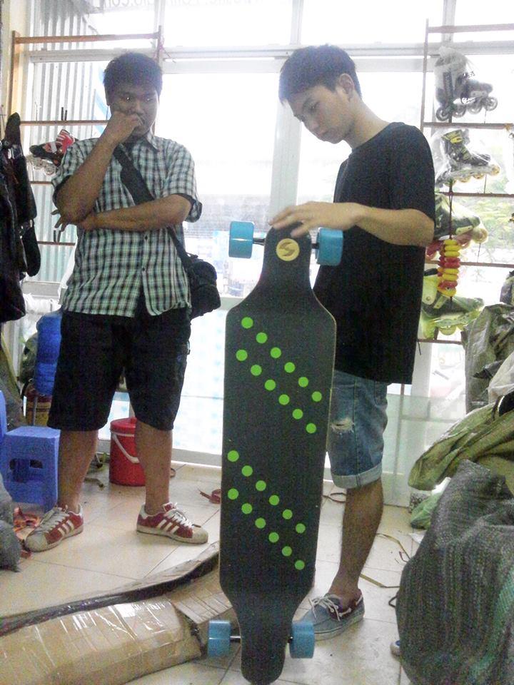 chu nhan skateboard overstep