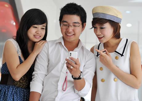 Bộ TT&TT: Không sáp nhập VinaPhone và MobiFone