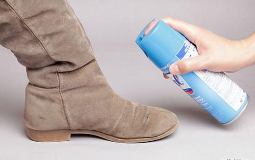 Cách chăm sóc giày da lộn bền đẹp