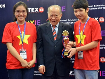 Cuộc thi sáng tạo KHCN trẻ quốc tế (IEYI 2013 và AYIE 2013): Đoàn Việt Nam được mùa vàng, bạc