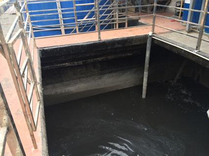 bể composite chưa nước thải