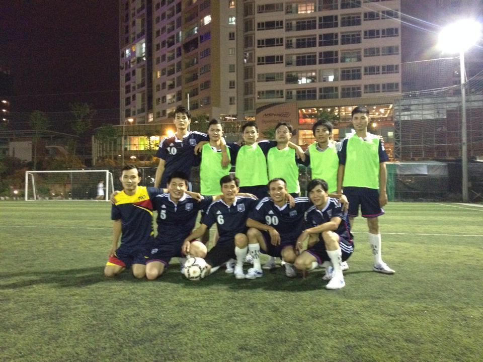 Thành lâp đội bóng Công tyPhim Cách Nhiệt Ngôi Sao 2014
