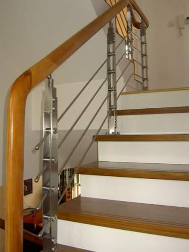 Cầu thang nhà anh Hải. Di Trạch-Hoài Đức-Hà Nội