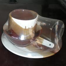 Cốc chén được co màng để bảo vệ sản phẩm