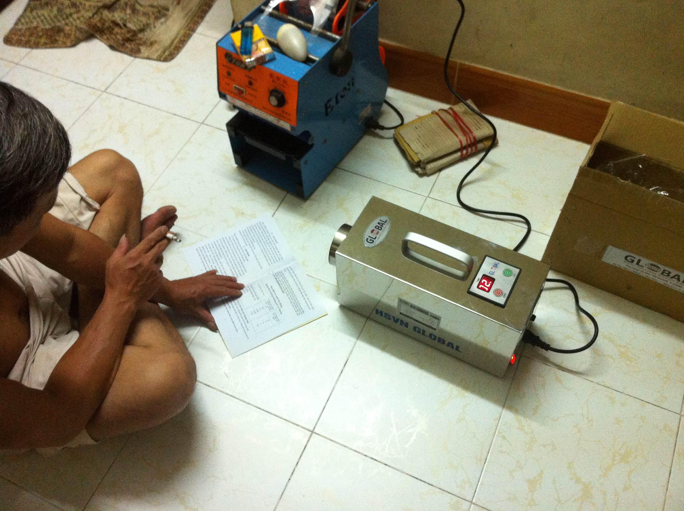 Lắp đặt máy khử mùi cho hộ gia đình sản xuất túi nilon