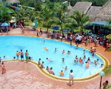 bể bơi công cộng ẩn chứa nhiều mầm bệnh