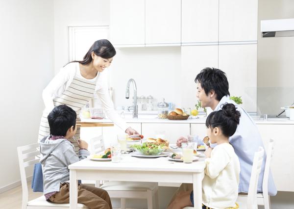 máy Ozone khử độc thực phẩm cho gia đình bữa ăn ngon