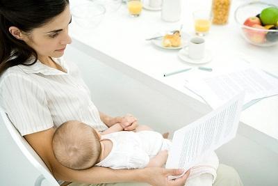 Cách nuôi con bằng sữa mẹ khi mẹ đi làm
