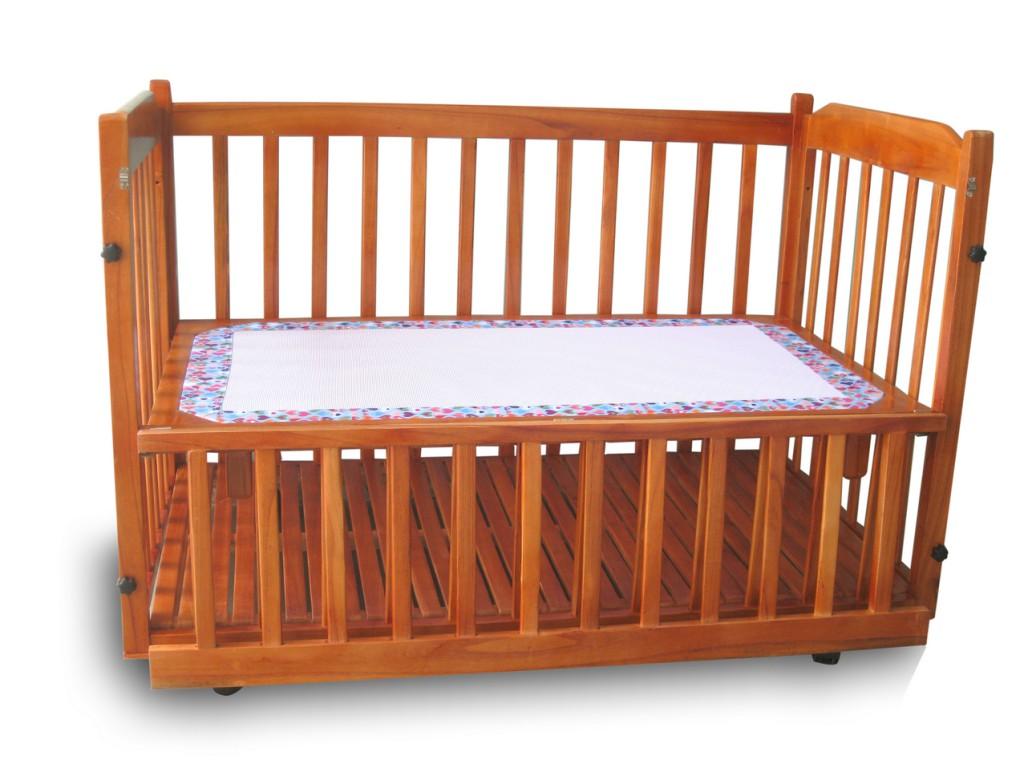 Giường cũi em bé đa năng tại TPHCM