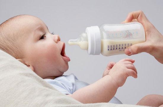 Cách vắt, bảo quản sữa mẹ