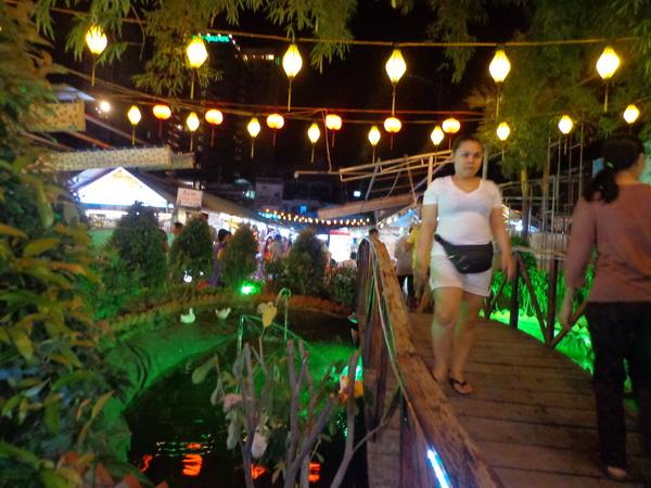 Chiêm ngưỡng vẻ đẹp lộng lẫy Nha Trang về đêm