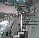 AlBum các mẫu cầu thang inox kính