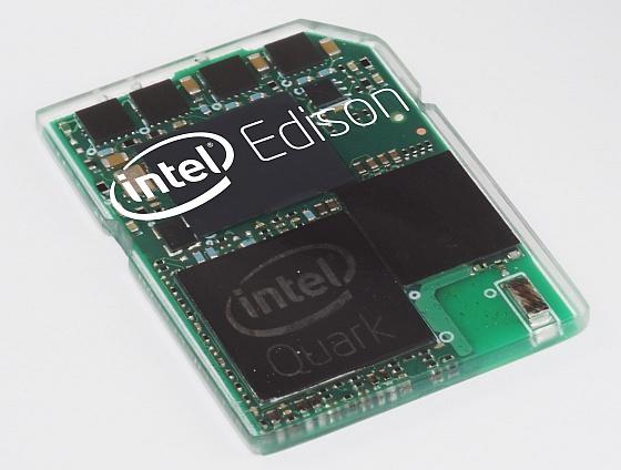 Bên trong sản phẩm là một chip xử lý lõi kép của Intel.