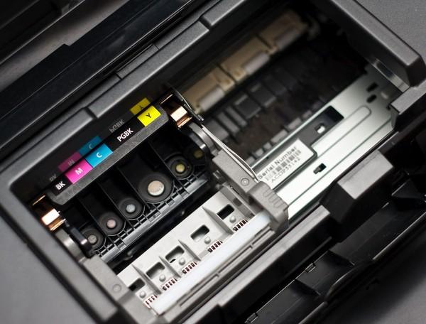 Hướng dẫn xử lý máy in màu bị tắc mực