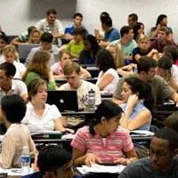 Lạ lùng học bổng dành cho học sinh trượt ĐH