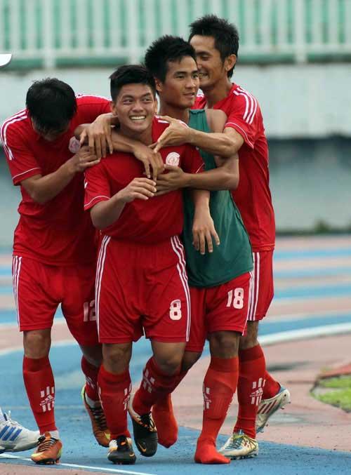Vòng loại giải bóng đá U.21 báo Thanh Niên - Cap quang viettel