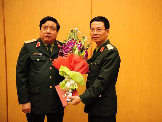 Tổng giám đốc Viettel thiếu tướng Nguyễn Mạnh Hùng