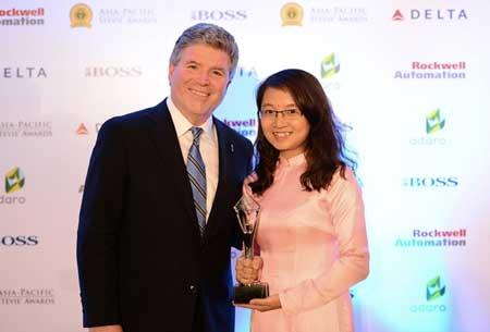 Nhà mạng internet Viettel nhận giải thưởng quốc tế Stevie awards 2014
