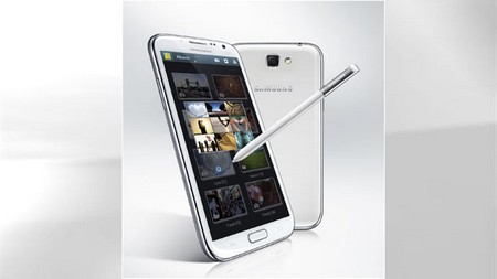 Galaxy Note II pin tốt gấp rưỡi iPhone 5