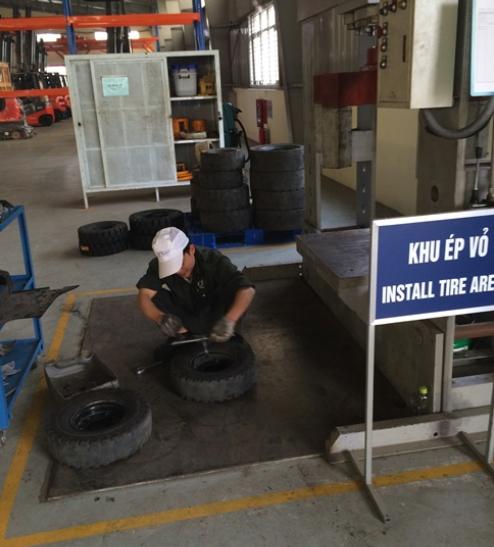 Khu vực ép thay thế lốp xe