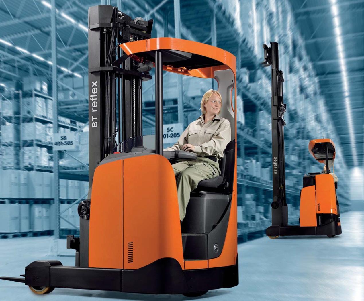 Xe nâng điện Reach truck: BT Reflex RRE160