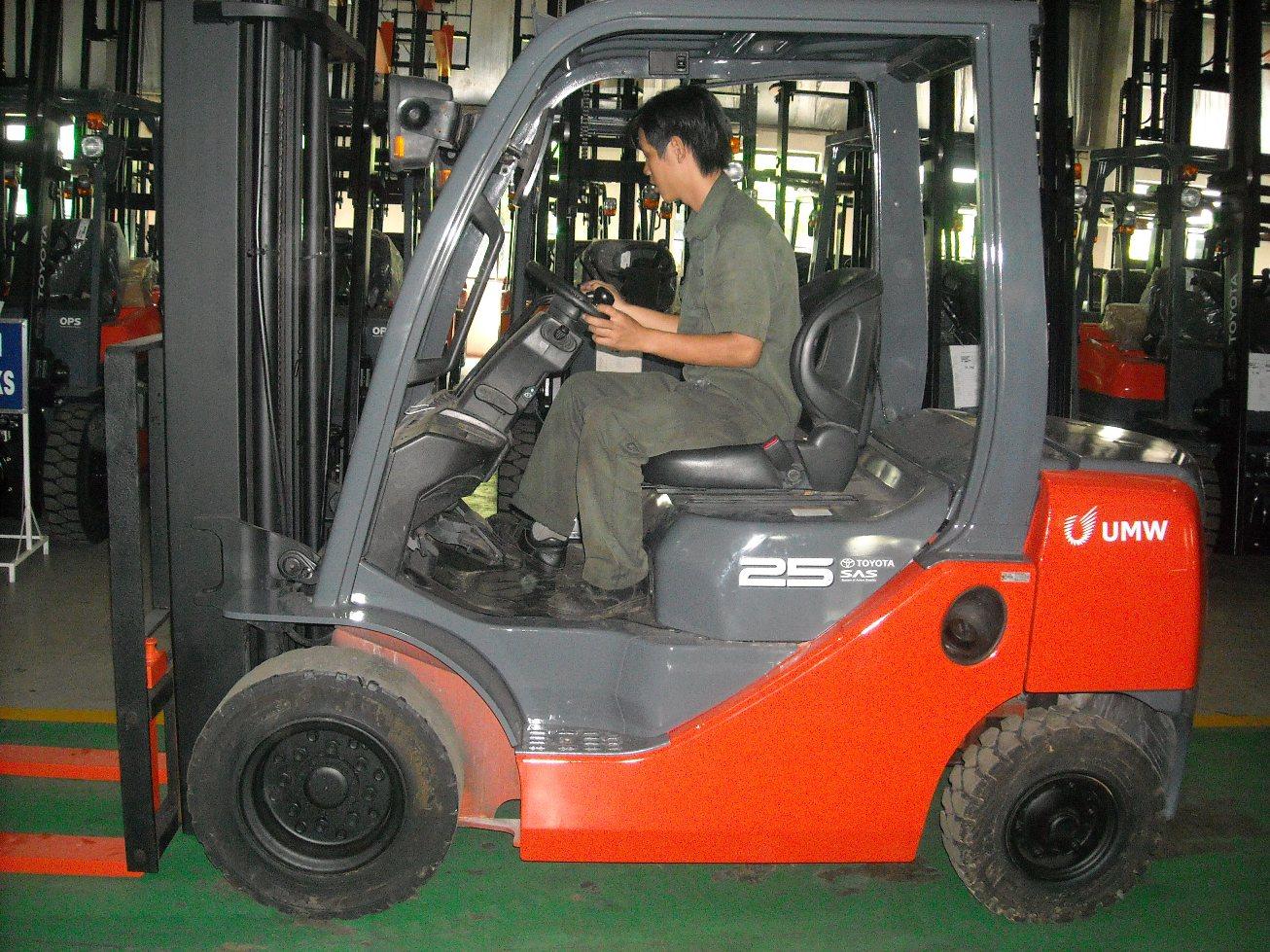 Hướng dẫn bảo dưỡng, bảo trì định kỳ xe nâng