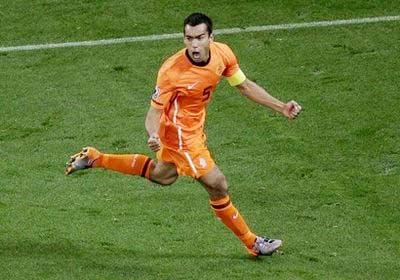 10 bàn thắng đẹp nhất World Cup 2010