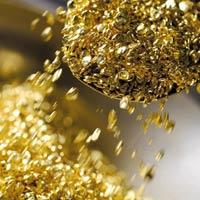 """Vàng """"đứng giá"""" gần mốc kỷ lục"""