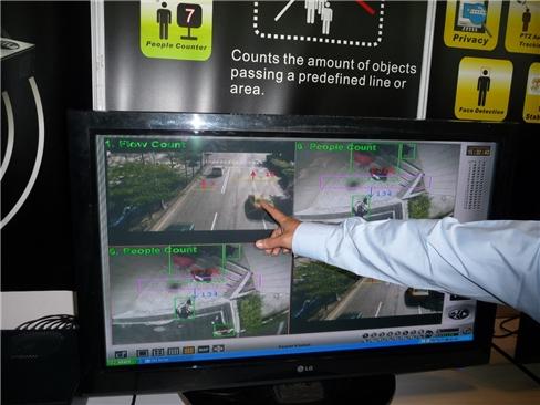 Đầu ghi DVR lai: bắc cầu cho giám sát analog sang IP