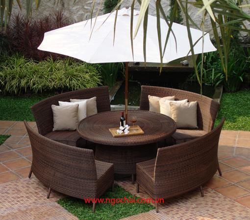 Bàn ghế nhựa giả mây, không gian đẹp cho cà phê sân vườn
