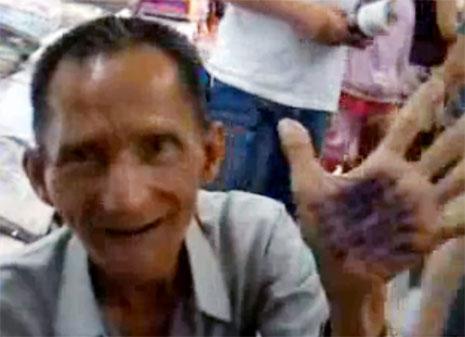 Một ông già Sài Gòn nói tiếng Anh siêu đẳng (video)