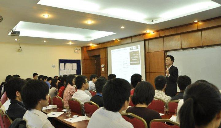 5 bước để nói tiếng anh lưu loát của anh Phạm Quang Hưng