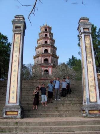 Chuyến xuyên Việt về thăm quê hương Sáng Tổ Nguyễn Lộc - Voyage à travers le Vietnam pour la visite au pays natal du Maitre Fondateur Nguyễn Lộc ( Part 1 )