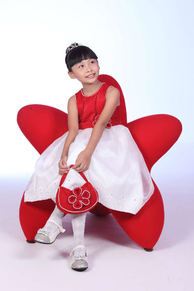 Quần áo trẻ em có xuất xứ Trung Quốc chiếm đến 60-80% tại các chợ lớn như Đồng Xuân (Hà Nội), An Đông (TP HCM) và nhiều cửa hàng lớn nhỏ khác.