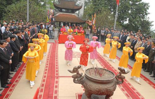 Lễ hội Đền Hùng: Toàn cảnh lễ dâng hương Tổ Mẫu Âu Cơ
