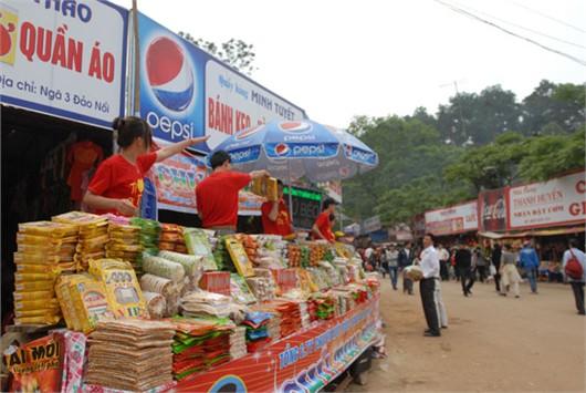 Nhếch nhác và náo loạn tại lễ hội Đền Hùng
