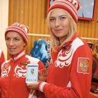 """Sharapova kí hợp đồng """"khủng"""" (Điểm tin tennis sáng 4/4)"""